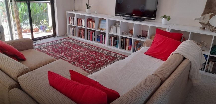 Comfortable Apartment in Southport – FEMALE ONLY